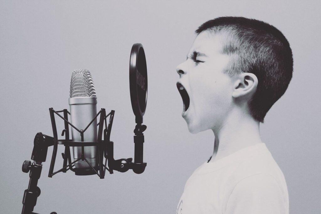 aplicativos para cantar bem e afinado grátis